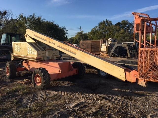 JLG 40H Forklifts - Mast